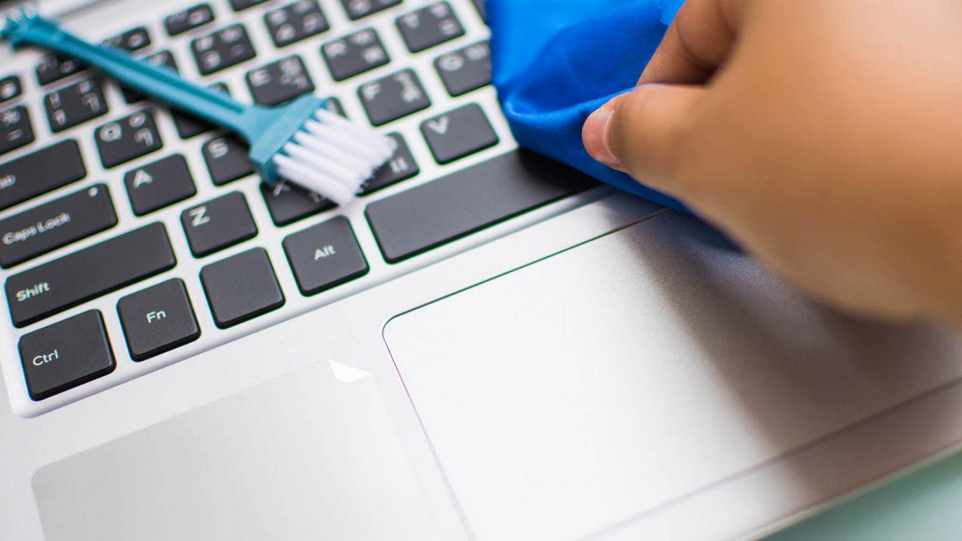 Bảo vệ Laptop bằng việc vệ sinh Laptop thường xuyên